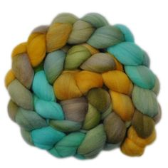 Merino Wool Roving, 19 micron - New-Sprouted Grass - 4.1 ounces