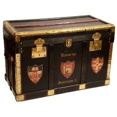 1stdibs - Vintage Leather Collegiate Trunk, Queens College, 1st half 20th Century explore items from 1,700  global dealers at 1stdibs.com