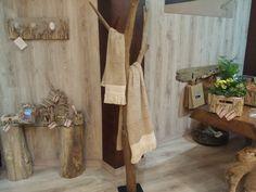 Perchero para toallas con madera de deriva.