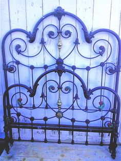 Hearts were a very popular motif in Victorian design and were occasionally incorporated subtly in to the overall design. This one has beautiful large detailed castings with subtle brass accents. #ironbeds #antiqueironbeds