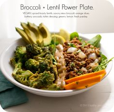 Savory Miso Broccoli + Spiced Lentil Power Plate: a quick and healthy #vegan dinner.