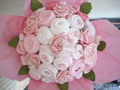 """Le """"Diaper Bouquet"""" ou bouquet de couches, une alternative au gâteau de couches"""