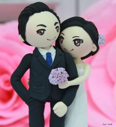 Wedding cake topper Vintage Violet theme wedding clay couple, bridal shower clay doll, engagement clay miniature, clay figurine wedding gift
