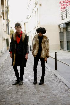 Friday, March 2, 2007  On the Street……The Young Romantics, Paris
