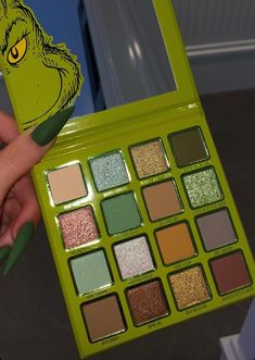 The Grinch Palette - Kylie Cosmetics. Makeup Items, Holiday Looks, Kiss Makeup, Eyeshadow, Grinch, Kylie, Palette, Skin Care, Cosmetics
