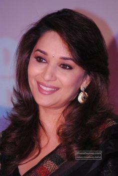 Shilpa Shetty, Anushka Sharma, Madhuri Dixit Hot, Rani Mukerji, Beautiful Christina, Preity Zinta, Karisma Kapoor, Snake Girl, Bollywood Bikini