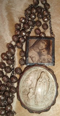 Santos & Milagros… Blessed Madonna - Our Lady of Lourdes - Immaculate Heart of Mary & Sacred Heart of Jesus - Beautiful Rose Rosary Rosary Prayer, Praying The Rosary, Holy Rosary, Rosary Catholic, Catholic Art, Prayer Beads, Catholic Churches, Religious Icons, Religious Jewelry