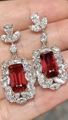 Ruby Jewelry, India Jewelry, Old Jewelry, I Love Jewelry, Vintage Jewellery, Diamond Jewelry, Jewelry Watches, Diamond Ice, Diamond Earing