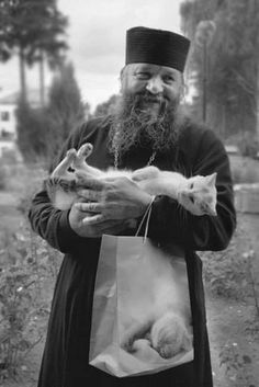 Monk and cat Animals And Pets, Cute Animals, Men With Cats, Hugs And Cuddles, All About Cats, Cat People, Orthodox Icons, True Friends, Beautiful Cats