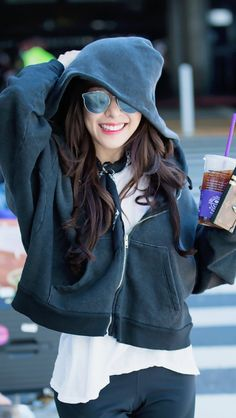 "Tiffany Hwang, also known as Tiffany Young is an American singer, well known as a member of the Korean band ""Girls' Generation"". Tiffany Hwang, Snsd Tiffany, Girls' Generation Tiffany, Girls Generation, Sooyoung, Yoona, Sehun, Tiffany Girls, Stylish Girl Images"