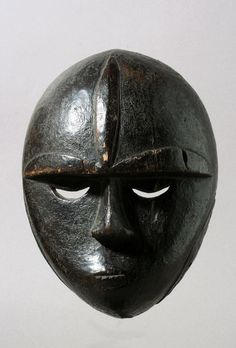 www.davidserra.es African Masks, African Art, Masks Art, Tribal Art, Mythology, Primitive, Batman, Skull, Carving