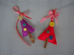 small christmas trees made of felt and buttons, lucky charms for your christmas tree