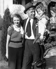 """"""" Three top Fox stars: Janet Gaynor, Will Rogers and Shirley Temple, """" Shirley is in costume for The Little Colonel. Hooray For Hollywood, Golden Age Of Hollywood, Vintage Hollywood, Hollywood Stars, Classic Hollywood, Child Actresses, Actors & Actresses, Hollywood Actresses, Hollywood Heroines"""