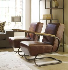 (https://www.zinhome.com/airporter-leather-club-chair/)
