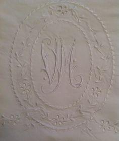 custom fine linens - Príncipe Real Enxovais - Trousseaux
