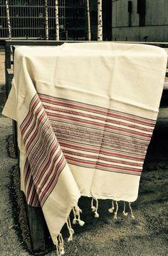 Fouta nid d'abeille: Amazon.fr: Cuisine & Maison Textile Texture, Turkish Towels, Amazon Fr, Poker, Summertime, Weaving, Stripes, Textiles, France
