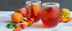 Stone Fruit Sangria - The Chic Site Fall Drinks, Summer Cocktails, Cocktail Drinks, Alcoholic Fruit Punch, Alcohol Infused Fruit, Food N, Food And Drink, The Chic Site, Great Recipes