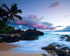 i heart purplish blue skies.