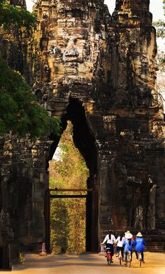 Angkor Wat, UNESCO World Heritage by PRASIT CHANSAREEKORN, via 500px