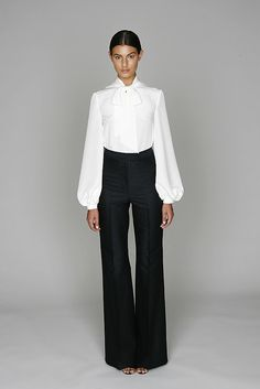 Monique Lhuillier Resort 2011 Collection Photos - Vogue