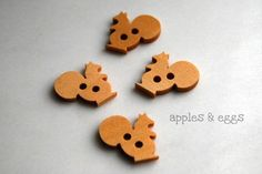 Wooden Squirrel Buttons Set of Four Buttons by applesandeggs, $2.20