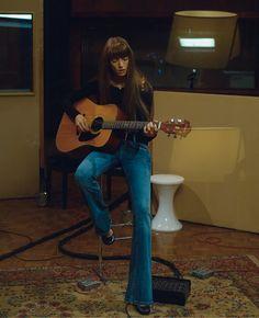 Jessica Miller portant un jean par Peter Lindbergh