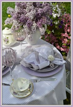 Beautiful Lilacs.  http://rosemary-thyme.blogspot.com/2014/05/the-gift-of-lilacs.html