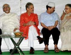 <b>यूसुफ़ अंसारी</b><br/> नई दिल्ली। राष्ट्रीय मुस्लिम मंच के ज़रिए इफ्तार पार्टी करके मुसलमानों को संदेश देन के संघ परिवार के मंसूबे फिलह�