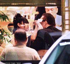 【画像あり】ニコラスケイジの彼女がまたもや日本人のフリした外人wwwwwwwwwwwwwwwwwwwwwww