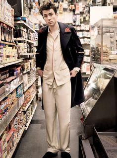 Matthew Beard is Picture-Perfect for Chic L'Uomo Vogue Shoot Matthew Beard, Daniel Jackson, The Fashionisto, Pretty Men, British Actors, Menswear, Vogue, Photoshoot, Mens Fashion