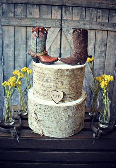 Western-boots-wedding-cake topper-cowboy-cowgirl-bride-groom-boots-hat-rustic-wedding decor-personalized-country-Mr and Mrs-hunting-horse (minus the boots) Western Wedding Cakes, Country Wedding Cakes, Wedding Cake Rustic, Wedding Groom, Bride Groom, Western Cakes, Country Weddings, Western Theme, Camo Wedding
