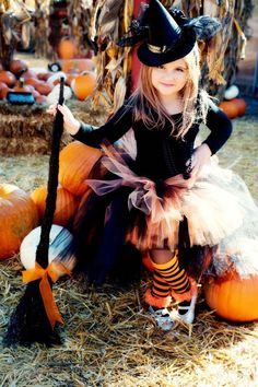 Tutu by Tutu Maria Baby Girl Halloween, Halloween Birthday, Halloween 2020, Halloween Kids, Halloween Fotos, Halloween Costumes For Girls, Toddler Witch Costumes, Baby Witch Costume, Halloween Fotografie
