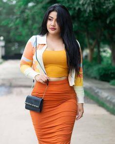 Beautiful Girl Indian, Beautiful Girl Image, Curvy Women Fashion, Girl Fashion, Asian Model Girl, Curvy Girl Outfits, Cute Asian Girls, Beauty Full Girl, Simple Outfits