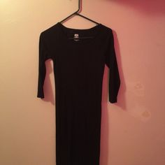 Black stretch dress. All black. Very comy( cotton) stretch. Was only worn twice. Slimming.  Dresses
