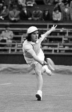 Sarah Fabyan - 1939 Wimbledon. (AP Photo)