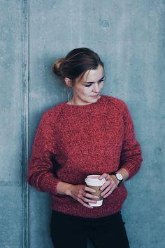 Ravelry: No Frills Sweater pattern by PetiteKnit