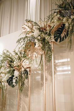 48 Pretty Flower Wedding Photo Backdrop Ideas That Actually You Can Diy Art Deco Wedding, Wedding Stage, Floral Wedding, Wedding Flowers, Backdrop Decorations, Decoration Table, Backdrop Ideas, Wedding Photo Walls, Wedding Photos