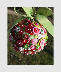 recyled button christmas