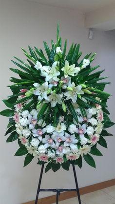 Creative Flower Arrangements, Funeral Flower Arrangements, Funeral Flowers, Fresh Flowers, White Flowers, Casket Flowers, Funeral Sprays, Graduation Leis, Ikebana
