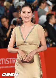#KOREA  #韓國  News |  OSEN | 09 August 2016 (Tues) @ 3:32 pm (KST)  |  Weibo: 韩剧蓝色大海的传说官博  |   [http://m.entertain.naver.com/read?oid=109&aid=0003371287] | #Korean #Drama | SBS |  #Actress | #文素利 | #문소리 | #Moon So-Ri | with #ActorLeeMinHo | #李敏镐 | #LeeMinHo | & Other Cast Members |  #全智贤 |  李熙俊 | 申惠善 |    Writter 作家#朴智恩 | 导演 #陈赫 |    [단독] 문소리, 박지은작가 '푸른바다의 전설'로 3년만 안방 복귀 :: 네이버 TV연예  |  THIS Post: 09 August 2016 (Tuesday)