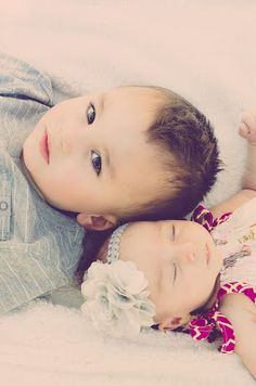 just switch it where the girl is the older sibling and this would be adorable Sibling Photography, Cute Photography, Children Photography, Newborn Pictures, Baby Pictures, Cute Pictures, Family Pictures, Baby Poses, Kid Poses