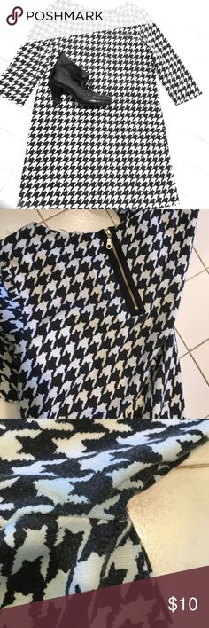 Mod Houndstooth Knee length shift dress- awesome with black or colored tights and black boots/booties!! Accent with colored necklace💗. General even fading on garment, piling and mild color transfer under arms as shown. H&M Dresses Midi