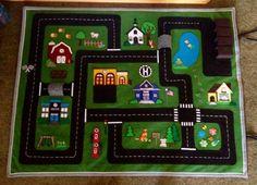idea for section of the picnic rug Felt Crafts, Crafts To Make, Crafts For Kids, Projects For Kids, Sewing Projects, Car Play Mats, Car Mats, Felt Play Mat, Felt Books