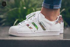 Adidas-Superstar-W-Floral-Stripes-1.jpg (600×400)