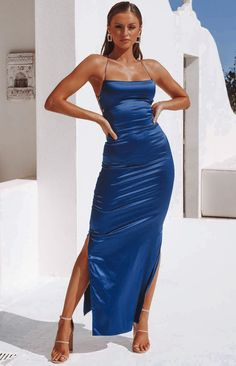Shop party dresses, formal dresses and birthday dresses with free express shipping to the US & Afterpay available. Get the latest dresses online from summer dresses to casual dresses. Shop your next dress from the best place to buy dresses online. Manhattan, Looks Chic, Looks Style, Satin Dresses, Strapless Dress Formal, Satin Formal Dress, Long Silk Dress, Fitted Dresses, 1950s Dresses