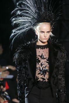 Les temps forts de la beauté printemps-été 2014: Louis Vuitton http://www.vogue.fr/beaute/tendance-des-podiums/diaporama/les-temps-forts-de-la-beaute-printemps-ete-2014/15605/image/870259#!louis-vuitton-collection-printemps-ete-2014