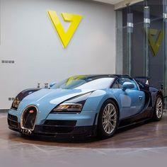 Bugatti Jean Pierre Wimille 1/3 This is one out of three cars only in the World.... And no Caption needed.. بوجاتي جان بيير تم صناعة ٣ سيارات فقط منها... صورة لاتحتاج الى تعليق @bugatti @bugatti_motors @thebillionairesclub @billionaire_auto_club @motor_head_ @black_list @amazingcars247 #bugatti #Bentley #seven_collection #seven #riyadh #dubai #doha #mydubai #rare #ultrarare