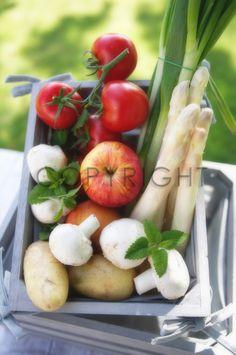 Ihre Bilder auf FineArtPrint verkaufen 11505428 Aviana aviana box bunt buntes einkauf ernährung food frische frisches frucht fruit fruits früchte gemüse ...