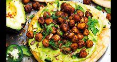 Rostat+pitabröd+med+avokadokräm+och+kryddrostade+kikärter