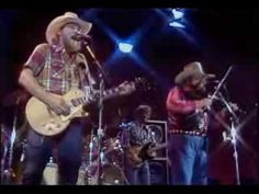 Charlie Daniels Band - Devil Went Down to Georgia. I play the air fiddle HARD when this is on! Best Country Music, Country Music Stars, Pop Music, Live Music, Male Country Singers, Charlie Daniels, Country Videos, Musica Pop, Country Bands
